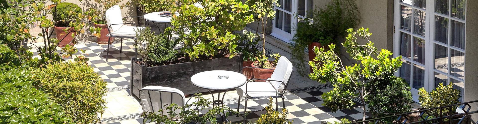 interior-hotel-le-reve-sillones-terraza